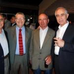 Director de Inmigración visita el hogar de ancianos y el centro gallego de Montevideo