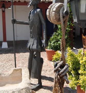 """.Por la ruta del Quijote, en Castilla La Mancha Hemos llegado desde las lagunas de Ruidera por la ruta del Quijote a esta""""cueva de Montesinos"""", que según Cervantes, es donde […]"""