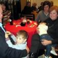 """Se ha realizado una tradicional paella en la sede de la Asociación Comunidad Valenciana de Montevideo, con un ingrediente muy especial: """"la celebración del Día de los Abuelos"""". Los abuelos […]"""