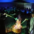 """En una muy familiar reunión a la que asistieron 400 personas, se conjugaron la musica y la danza del grupo """"Alborada""""con el mítico rito de la queimada. La queimada es […]"""