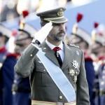 PP y PSOE agradecen al rey su dedicación e IU pide un referéndum entre monarqu� a y república