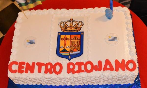 El Centro Riojano de Uruguay ha celebrado hoy su 8° aniversario en la Asociación Comunidad Valenciana degustando una paella acompañada de vino riojano. La presidenta del Centro Riojano Victoria Repiso […]