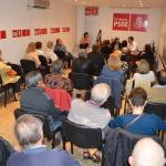 El secretario de emigración del PSOE Roberto Jiménez Alli  en conferencia de prensa