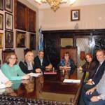 La directora de Emigración y la presidenta del Consejo de Comunidades Asturianas visitaron a la colectividad en Montevideo