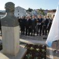 Como ya le habíamos anunciado en la nota anterior, el presidente del Uruguay, Tabaré Vázquez, ha llegado sobre las 14,15 horas de este martes a Santiago de Compostela en el […]