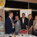 La Federación de Instituciones Españolas entrega premio Colón especial al embajador Roberto Varela