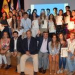 Recibieron las -compostelas-  los participantes de Conecta con Galicia 2016.