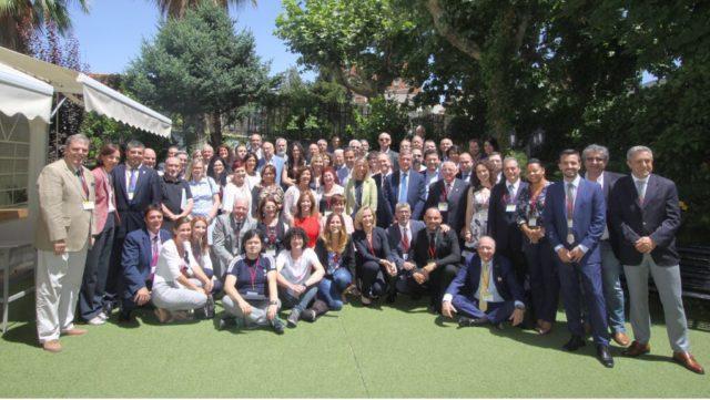 Delegados de Uruguay Javier Carballal y Jorge Torres con los jerarcas españoles de la emigración- El pleno del CGCEE respaldó la propuesta de la ministra de Empleo y Seguridad Social […]