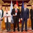 """En el acto, celebrado en Santiago, Feijóo revindicó el compromiso de Galicia con la diáspora: """"Los derechos de los emigrantes son los nuestros"""" La ministra de Empleo y Seguridad Social, […]"""