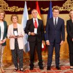 Amarelo de Castro, a t� tulo póstumo, y Aurelio Miras recibieron la Medalla de Honor de la Emigración