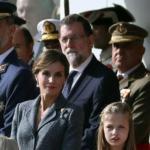 """Los reyes presiden el desfile del 12 de octubre con """"vivas"""" a España en medio de la crisis catalana"""