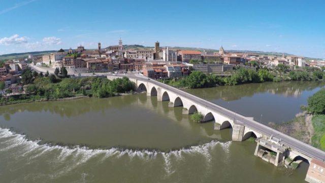 Esta ciudad de Tordesillas, llamada también villa del tratado, es una de las ciudades más importantes de Castilla. El histórico tratado que aquí firmaron España y Portugal el 7 de […]