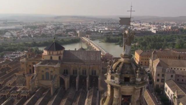 La Mezquita -Aljama- de Córdoba es el monumento más esplendoroso de la etapa musulmana en todo Occidente. Su construcción fue iniciada cuando el omeya Abd-al-Rahmán constituye a Córdoba como capital […]